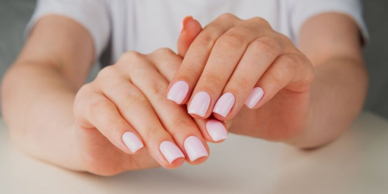 Hoe To Enhance the Appearance of your Fingernails?