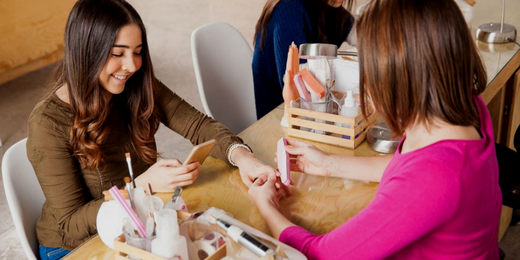 Tips To Promote Your Salon On Social Media