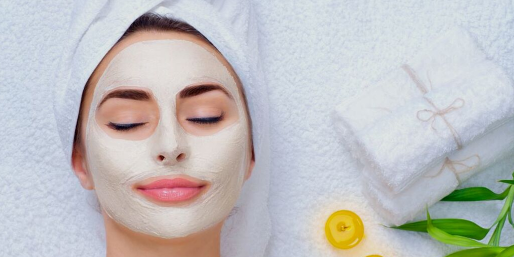 5 Tricks to Get Spa Facials at Home
