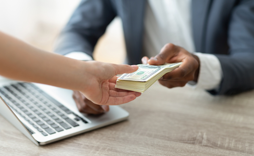 5 Tips To Choose The Payment Solutions At Your Salon