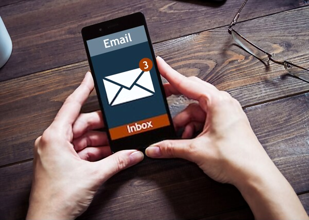 E-Mail And SMS Marketing