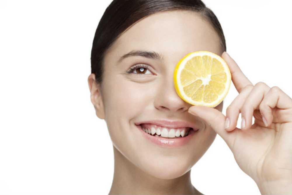 Lemon to increase the face beauty