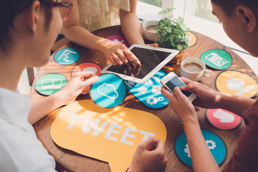 Set up and use social media accounts